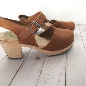 f18e621dabf88 Highwood Clogs in Brown Oiled Nubuck 38/8